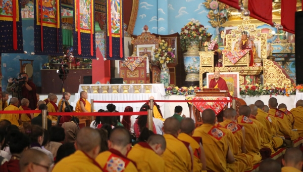 The Gyalwang Karmapa Teaches on Generating Equal Compassion for All Beings; Presents Vision for Monastic College for Kagyu Nuns